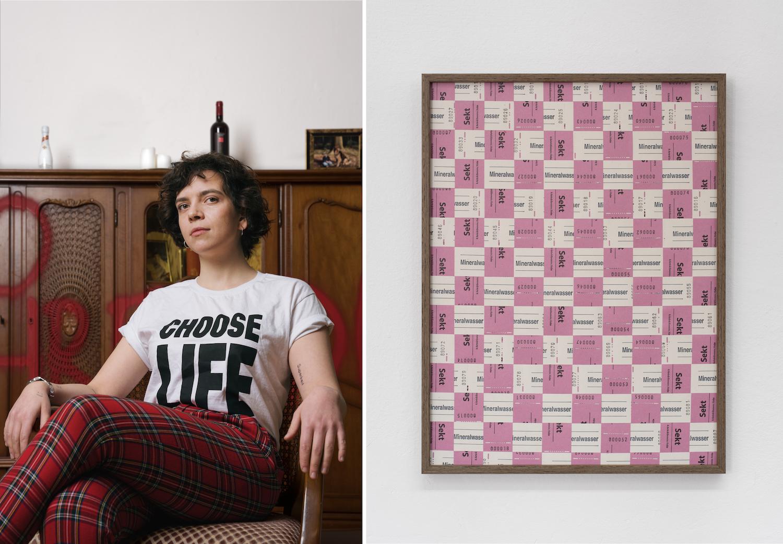 Links: Die Künstlerin Jody Korbach sitzt auf einem Holzstuhl mit Armlehnen vor einer Holzschrankwand, die sie mit Farbe besprüht hat. Rechts: Rosafarbene und beigefarbene Papiermarken für Sekt beziehungsweise Mineralwasser sind zu einem Kachelmuster angeordnet.