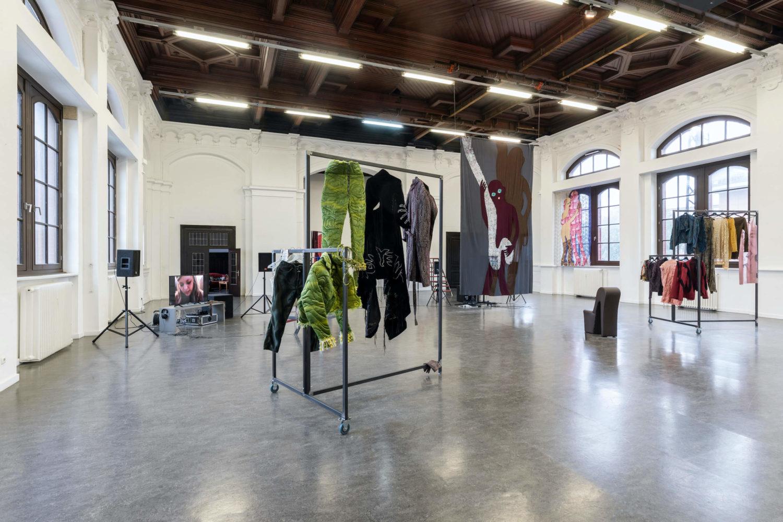Adam Christensen, Küss mich bevor du gehst, Ausstellungsansicht, Kunstverein Harburger Bahnhof