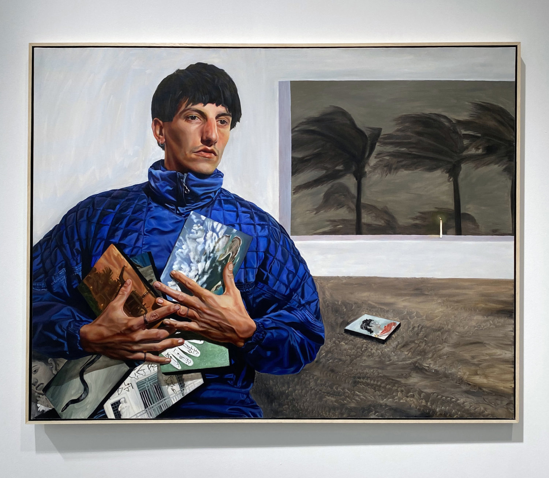 Ein Gemälde eines Mannes, der verschiedene Biler in seinen Händen hält.