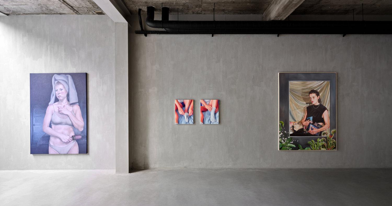 Blick in die Ausstellung Flesh in der Newchild Gallery